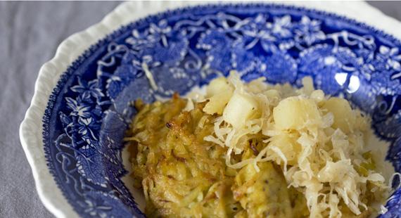 Genuss sucht Rezept_Kartoffelpuffer_mit_Sauerkraut_und_Äpfeln_8877slider